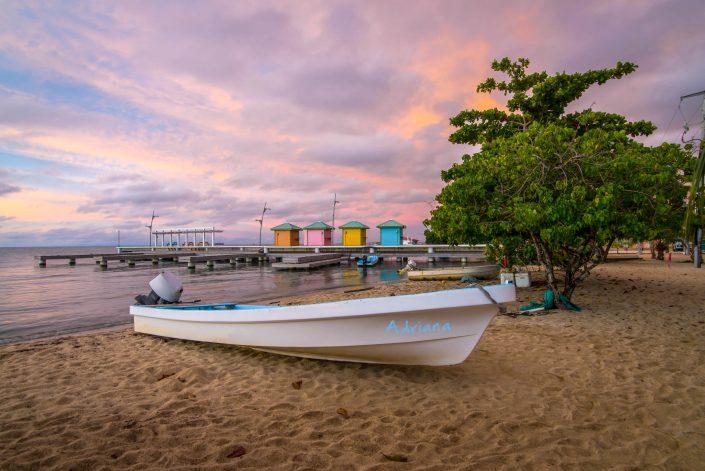 BeachBoat04 Adriana